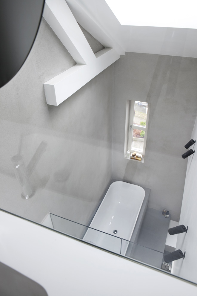 bathroom interior design White Coated Staircase Floating Above the Ground-Suspended Steel Powder