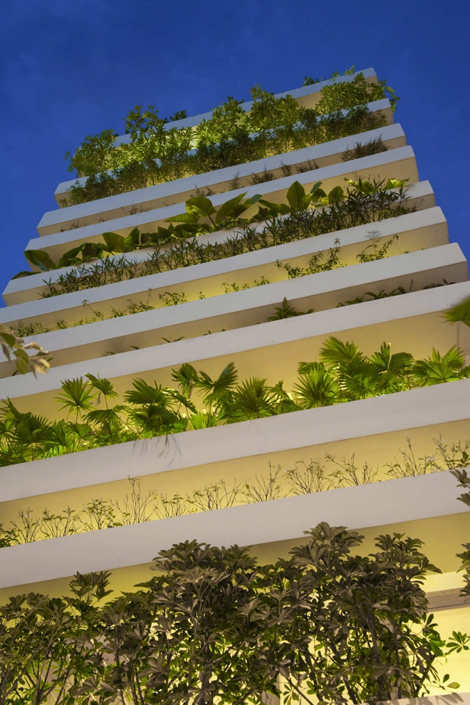 """exception green wall """"Stacking Green"""" -Small House in Saigon Wearing Green Façades"""