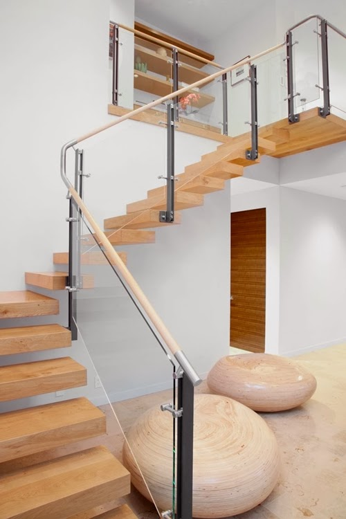 clear and smooth Different-Wooden-Types-of-Stairs-for-Modern-Homes