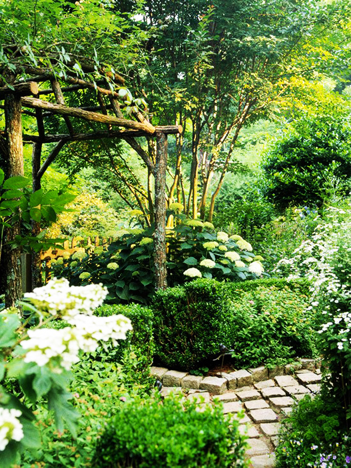 heaven CreativeInspiring-Ideas-of-How-to-Make-Your-Garden-a-Green-Paradise