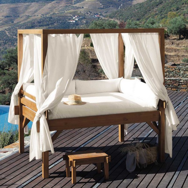 A Marvelous View To Be Enjoyed From The Outdoor Bed