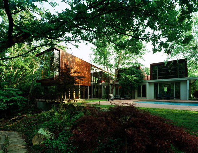 the perfect Arkansas-House-Modern-Mansion-Embedded-in-Vegetation-by-Marlon-Blackwell