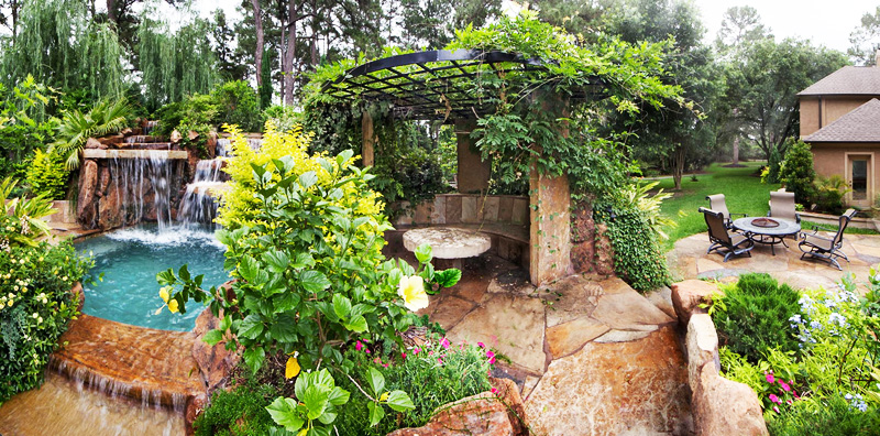 green lush vegetation Backyard-Landscaping-Paradise-30-Spectacular-Natural-Pools-