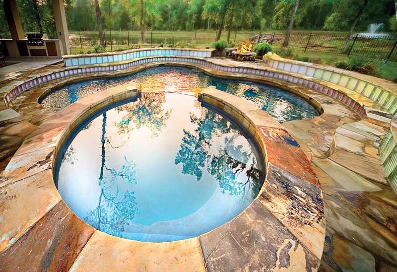 curved shaped Backyard-Landscaping-Paradise-30-Spectacular-Natural-Pools-