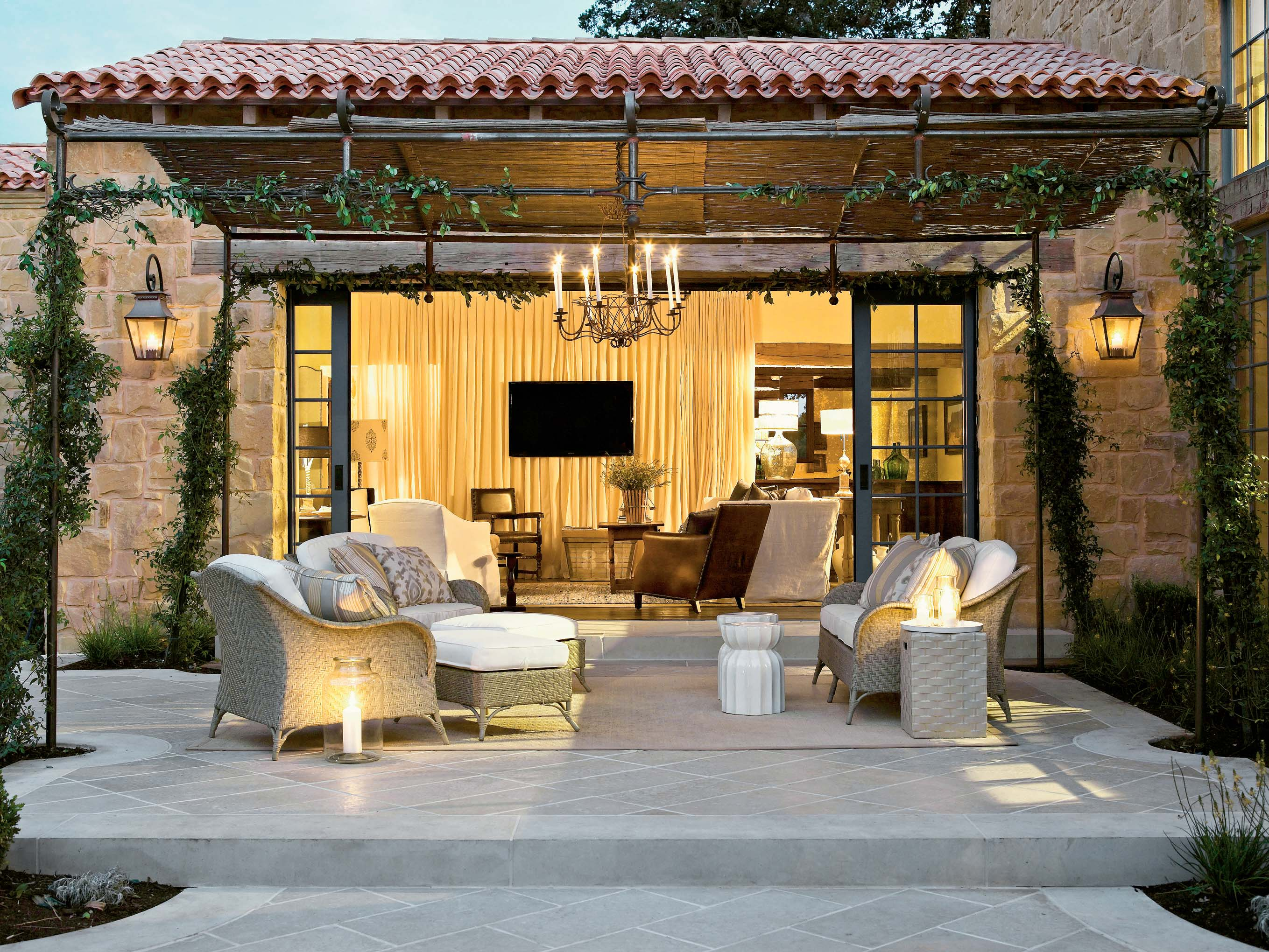 Family-Room-From-Patio--homesthetics-outdoor living spaces