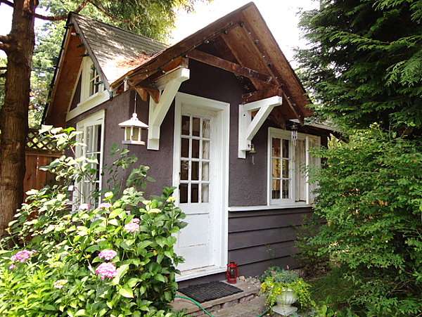 Backyard Landscaping Design Ideas-Charming Cottages and Sheds on Cottage Yard Ideas id=44064