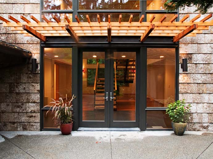 perfect entrance Green Modern Classic House by PLACE Hidden in the Forest