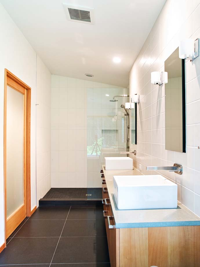 double bathroom design Green Modern Classic House by PLACE Hidden in the Forest
