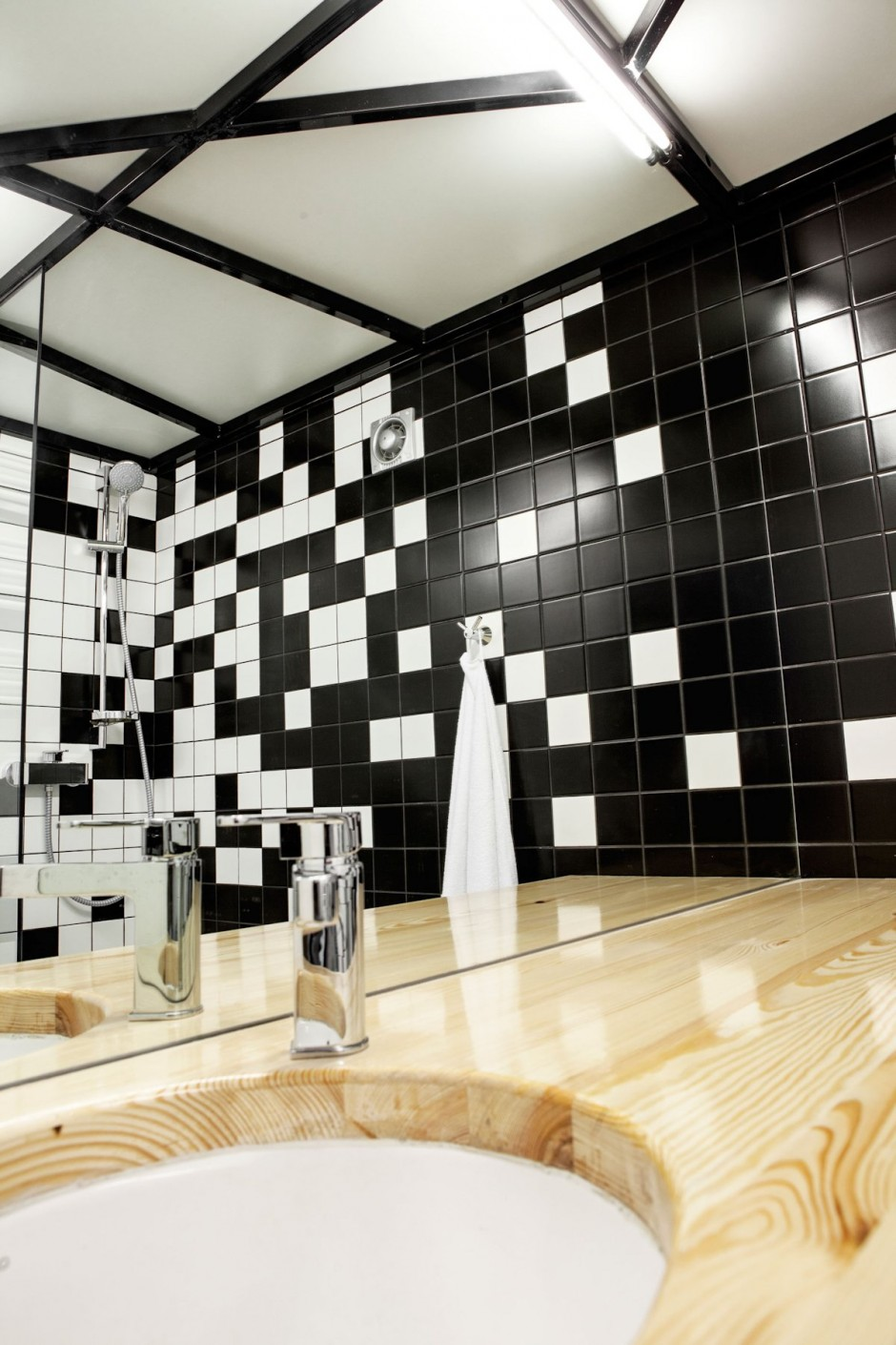 black and white apartment interior design cool bathrooms