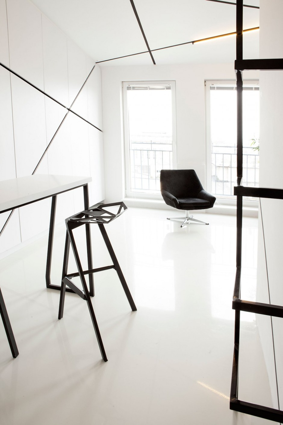 small spaces design in black and white