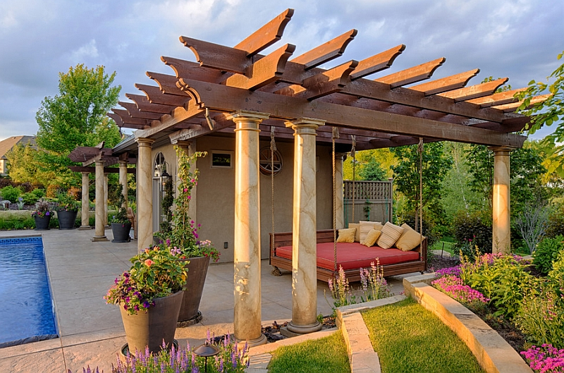 Stylish and Fashionable Outdoor Beds For The Ultimate Backyard Lounge