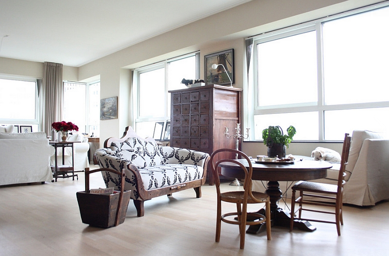 Small Living Room Area With a Wonderful Vintage Decor
