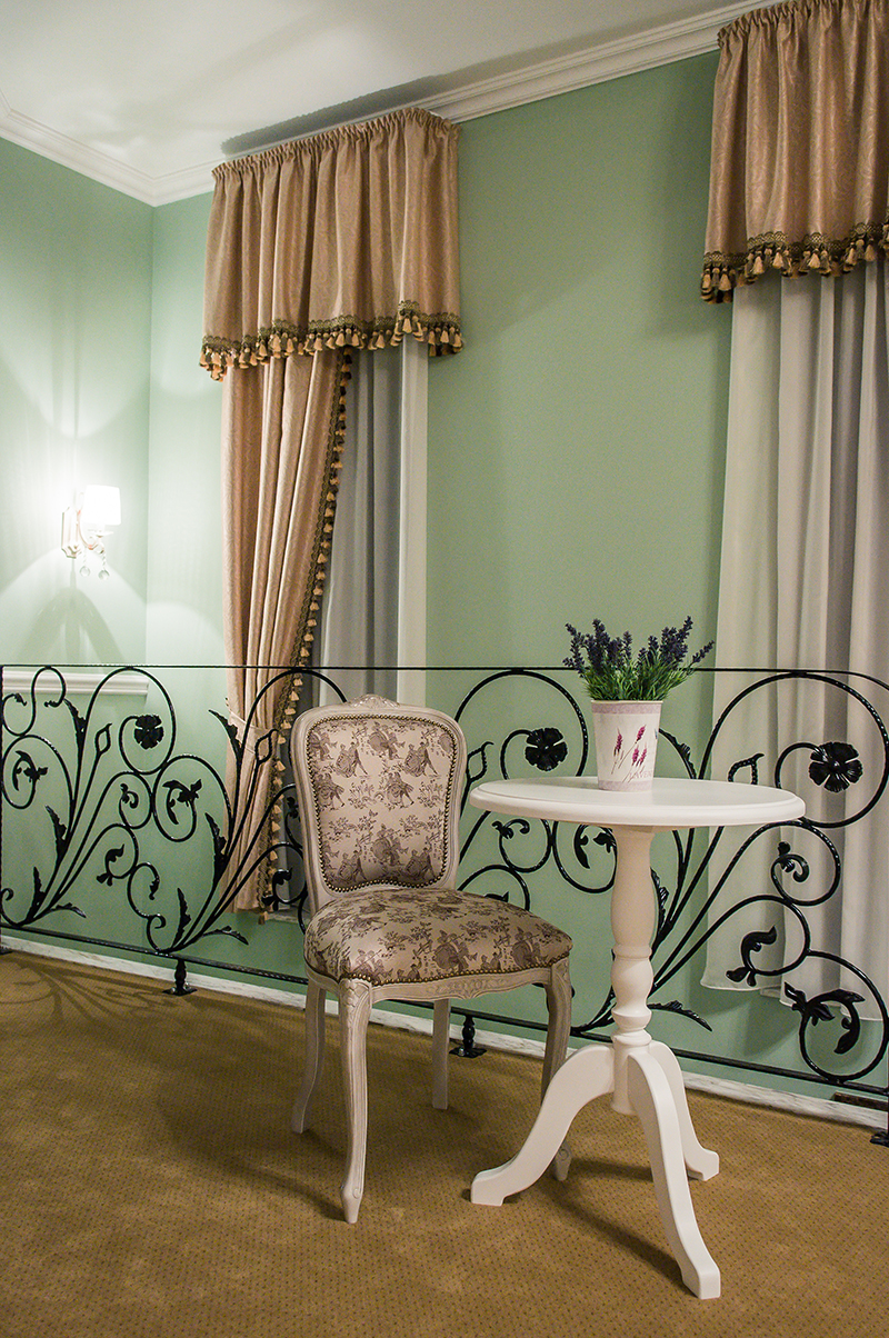 hotel lafayette in provence style by creativ interior on homesthetics (17)
