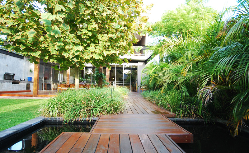 wood terraced backyard landscaping design