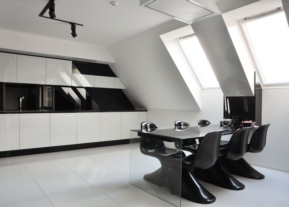 25 Black and White Glamour Decor Inspirations 6