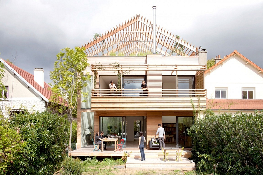 Minimalist Eco-Sustainable House Charms With a Green Sloped Wooden ...