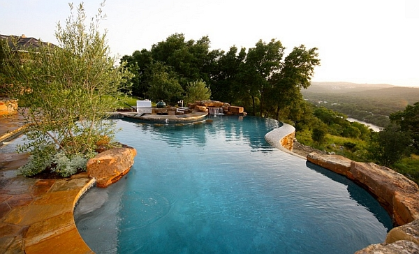 Natural Infinity Swimming Pool Located in Texas