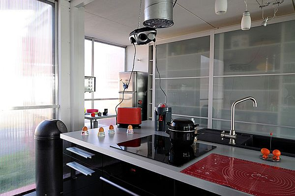 Contemporary Kitchen Featuring a Stainless Steel Countertop