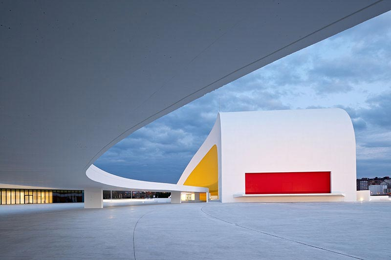 iconic architecture-Modernism at Its Best-The Niemeyer Center by Oscar Niemeyer Homesthetics