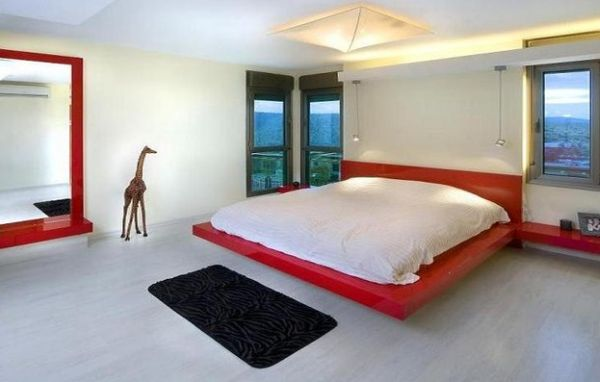 Playful Bedroom Design With a Read Floating Bed