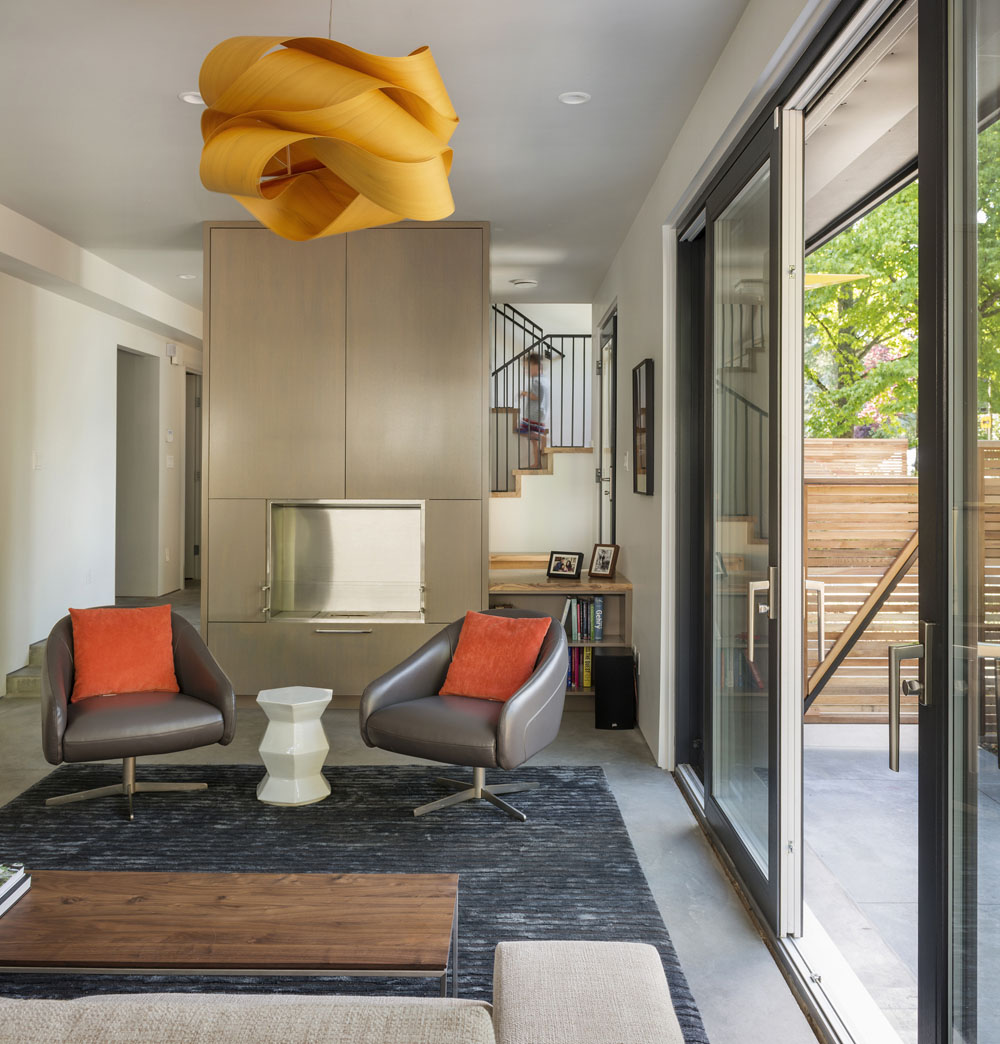 Simple Neat Interior Design in the Seattle's 1st Certified Passive Home
