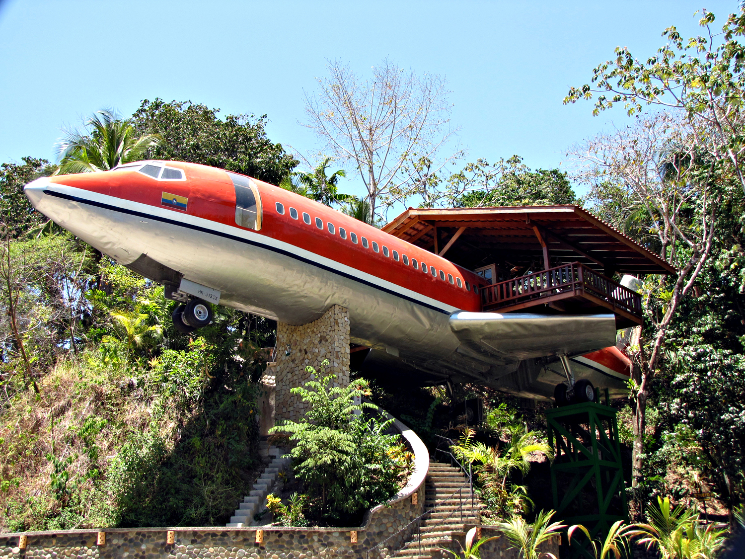 Vintage 1965 Boeing 727 Transformed into Hotel in Costa Rica
