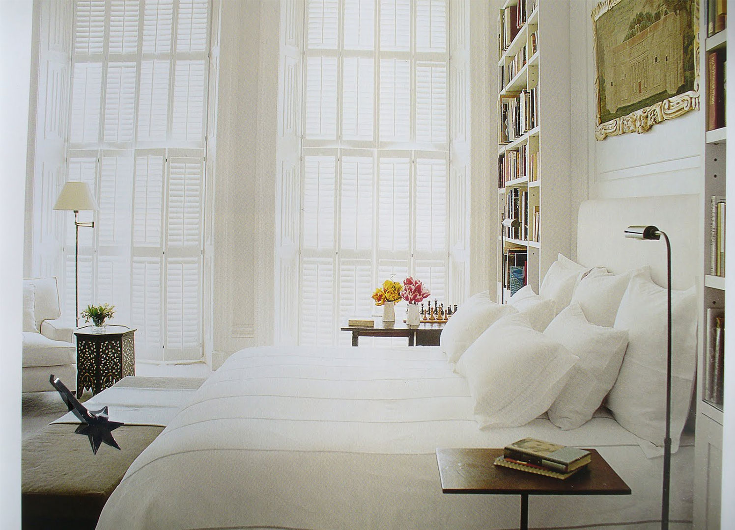 White bedroom design idea cozy