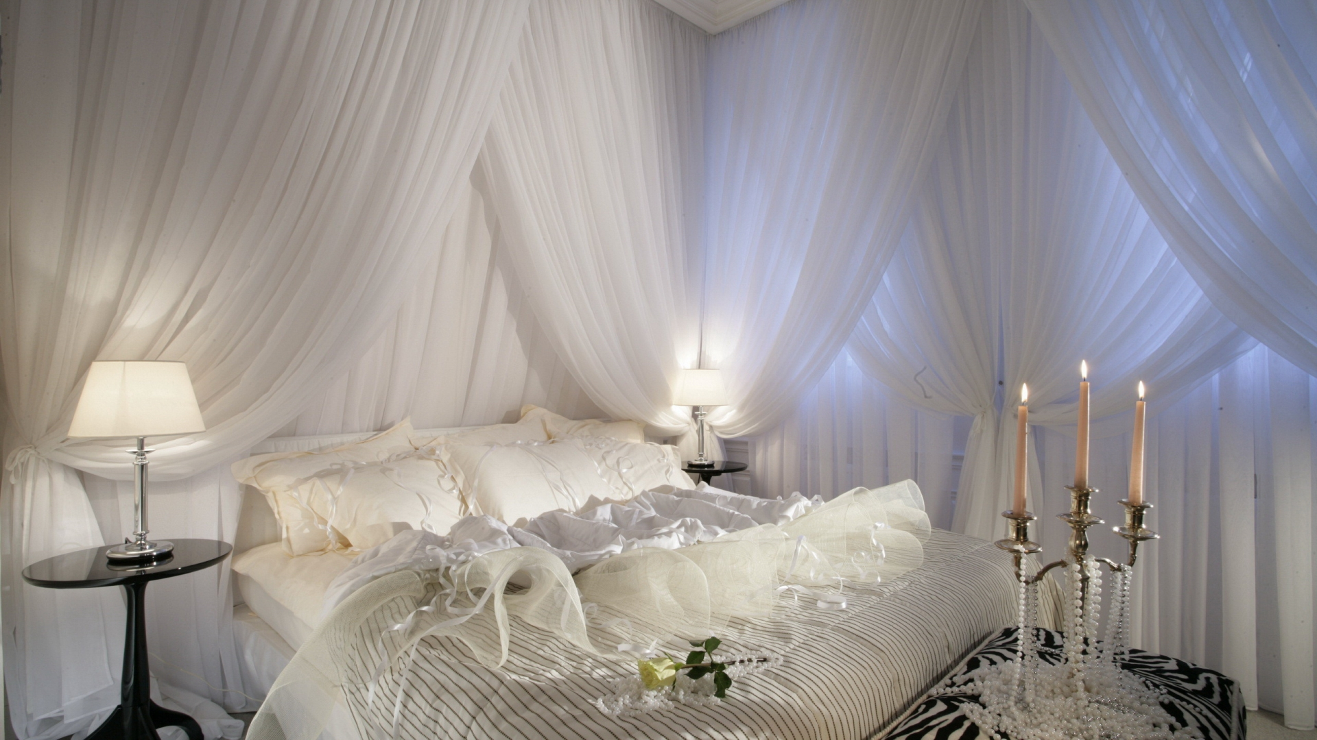 White bedroom design idea romantic