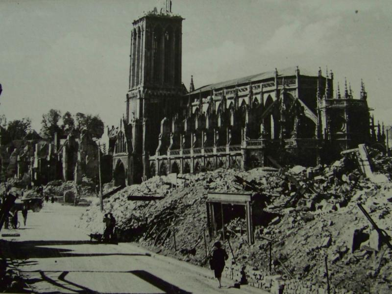Cathedral St. Pierre in Caen during the battle.