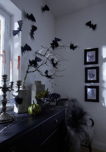 3 DIY Halloween Decorations That Will Surely Terrify Your Guests