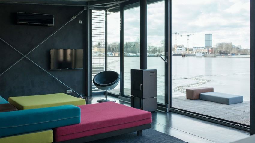colorful sofa in the Boat-Homes-in-Berlin-Boasting-a-Comfortable-and-Colorful-Unique-Experience
