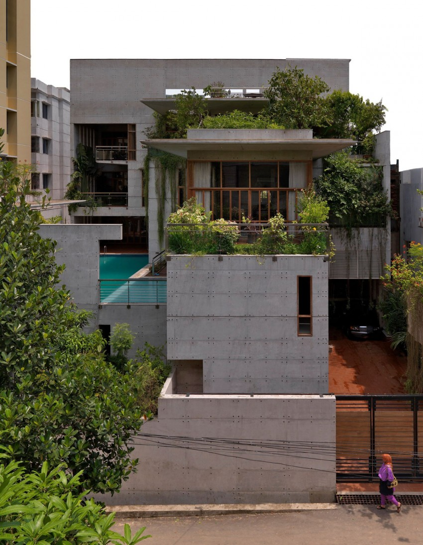 Exposed Concrete Home Enhanced by Lush Vegetation - Shatotto Architecture