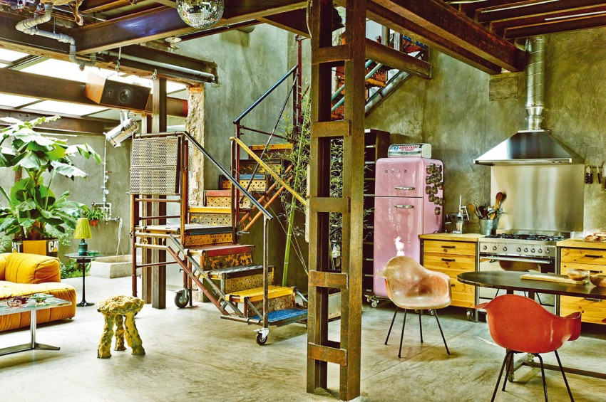 The colorful vintage industrial style home of gustavo for Garderobe new york