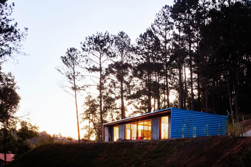The Perfect Private Summerhouse-Residência O.Z. by Andrade Morettin Arquitetos