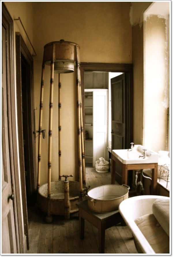 40 exceptional rustic bathroom designs filled with for Small rustic bathroom designs