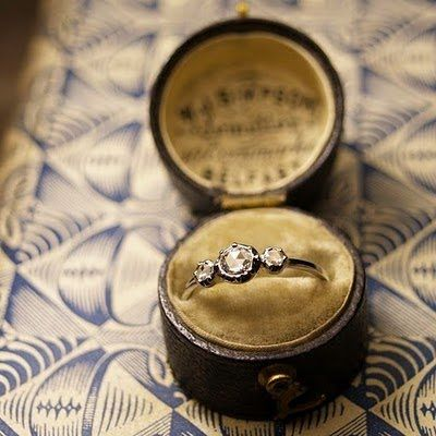 21 DIY Ring Boxes That Will Beautify and Add Romance To a Special Moment homesthetics design (18)