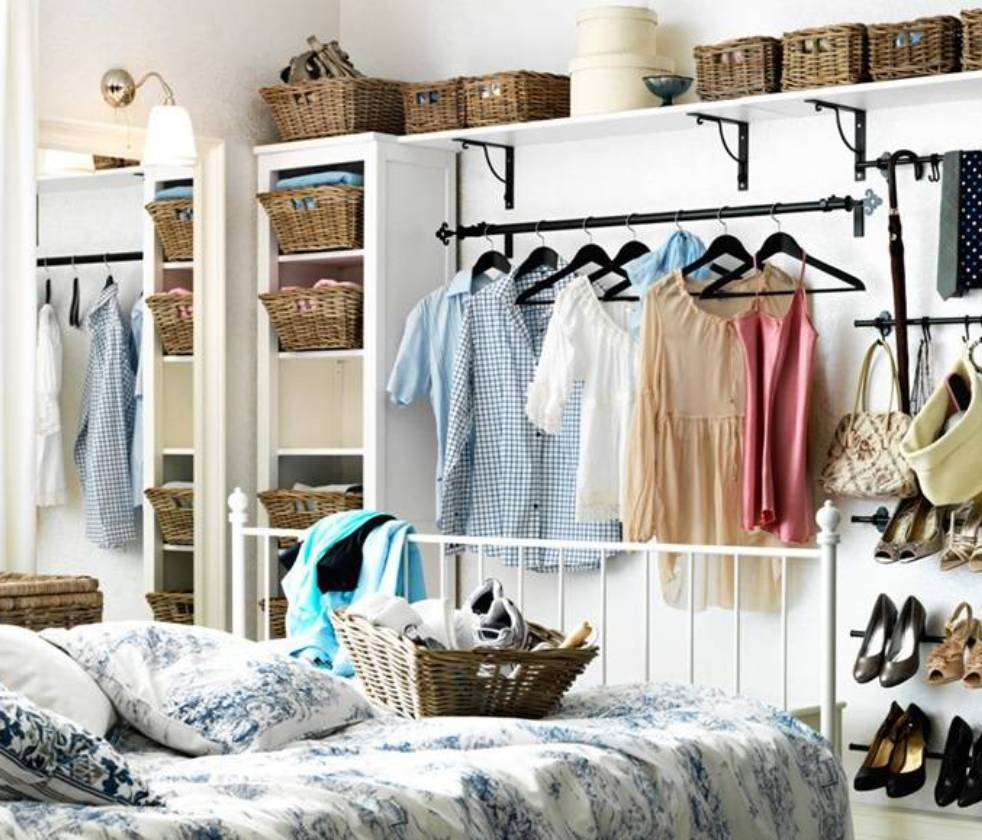 30 small house hacks that will instantly maximize and - Small space room ideas ...