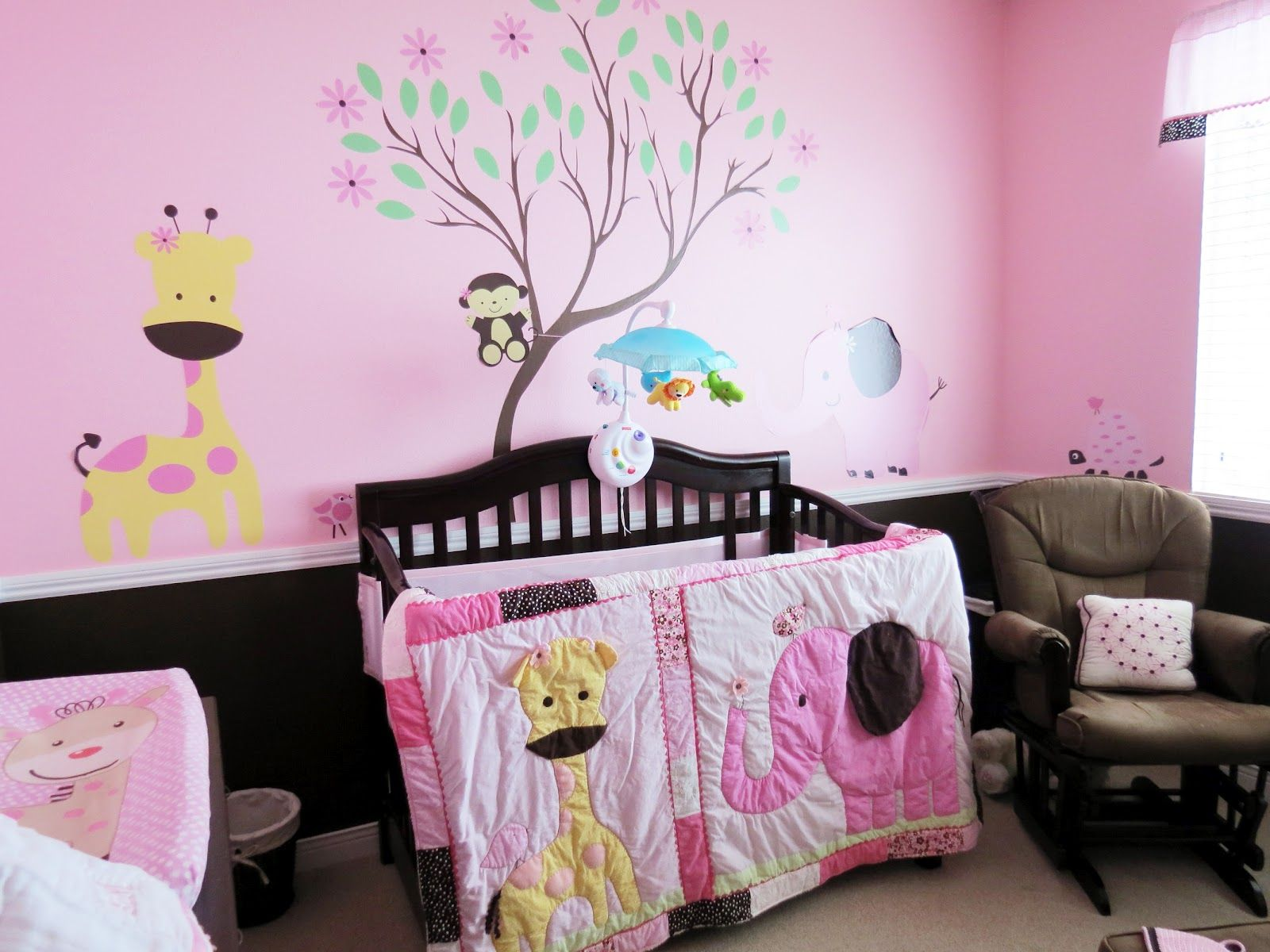 Animal Wallpapers Are Very Cute For The Little Ones. 35 Dreamy Bedroom  Designs ...