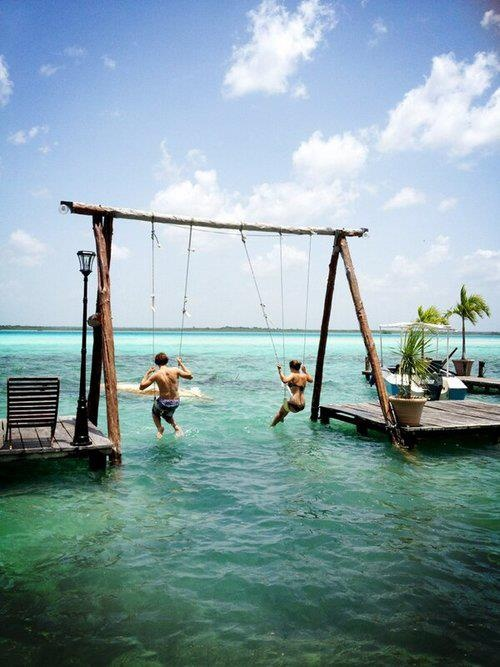 35 Swings You Should Definitely Try Once in Your Lifetime-homesthetics SWING OVER THE SEA