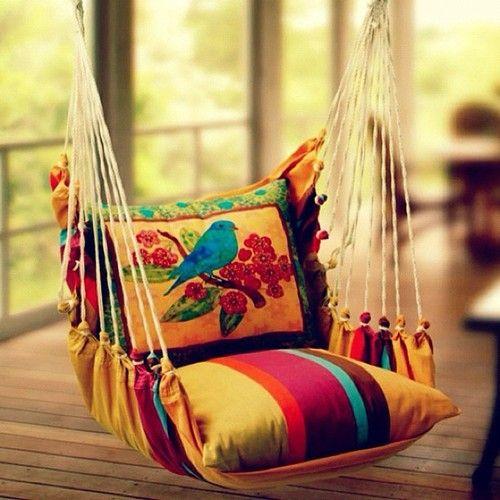 35 Swings You Should Definitely Try Once in Your Lifetime-homesthetics colored pillow swing