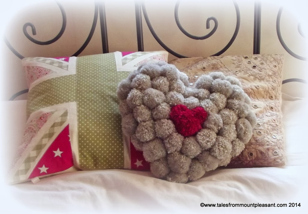 Pom-Pom Crafts and Ideas-homesthetics (16)
