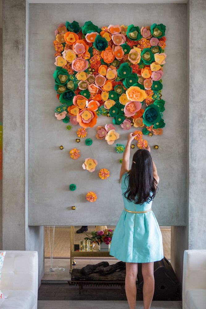 Mesmerizing diy handmade paper flower art projects to for Diy wall decor projects
