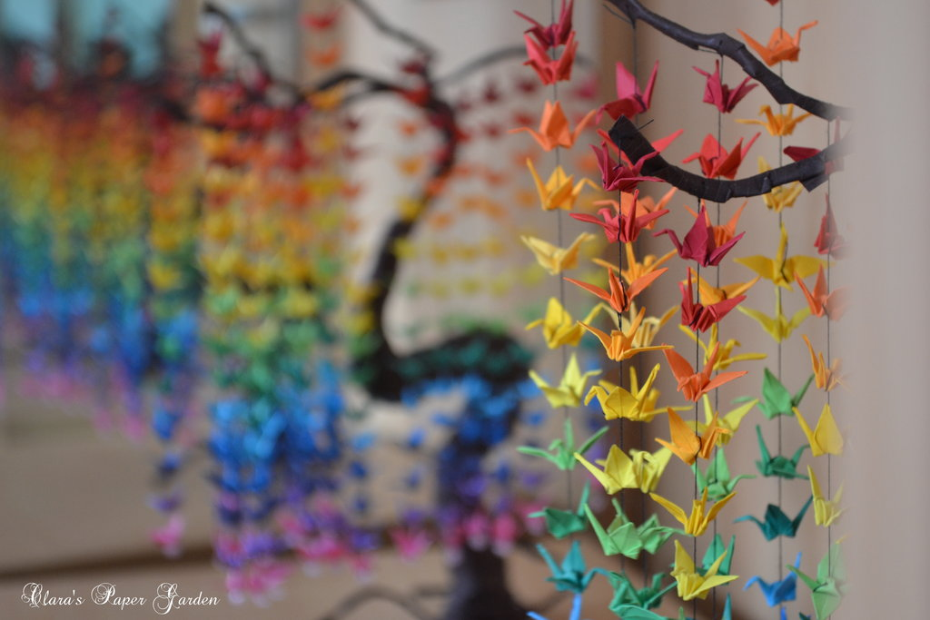 Guide on How to Create a Colorful Rainbow DIY Crane Curtain [Detailed Instructions] homesthetics (10)