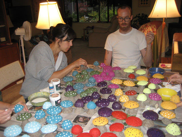 Populate Your Backyard With These Colorful DIY Concrete Mushrooms Now!