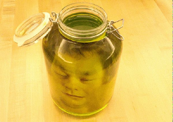 Terrify Your Guests With a Ghoulish Great- The DIY Head in a Jar Halloween Project [Printable Included]