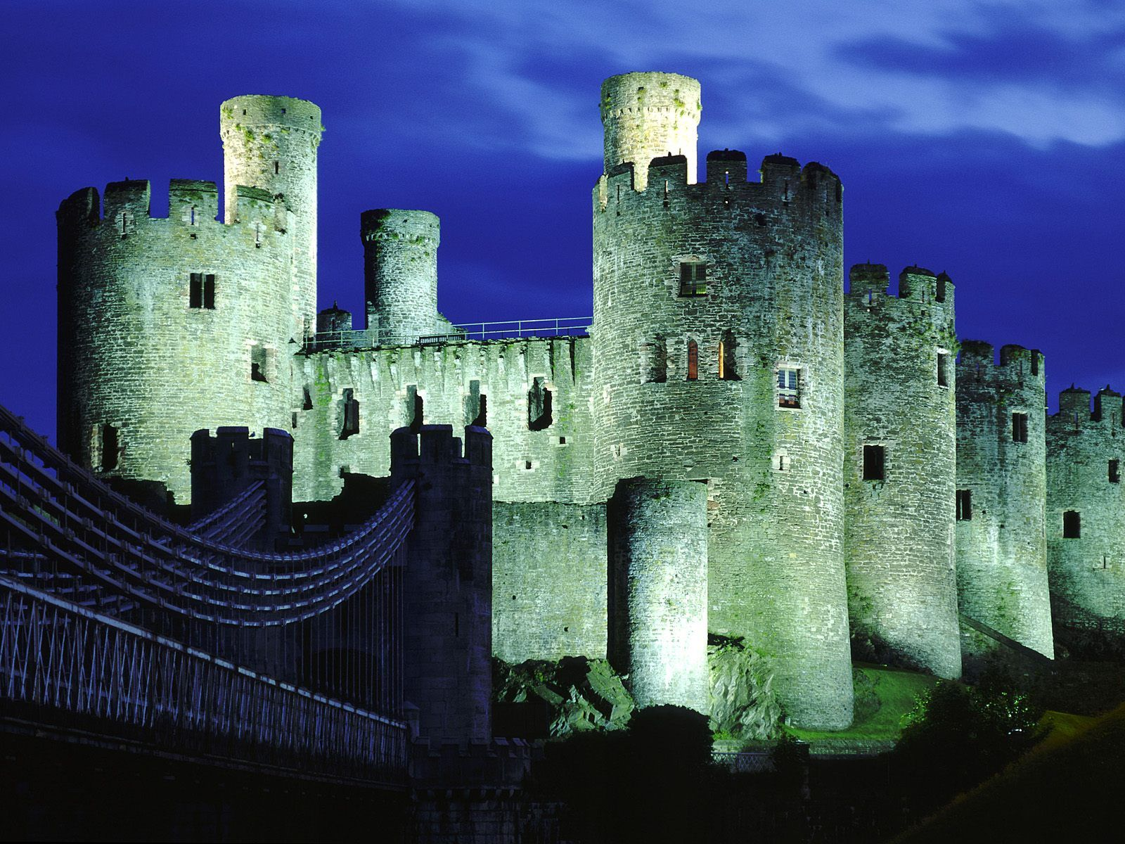 top 10 medieval castles that you must visit and see for