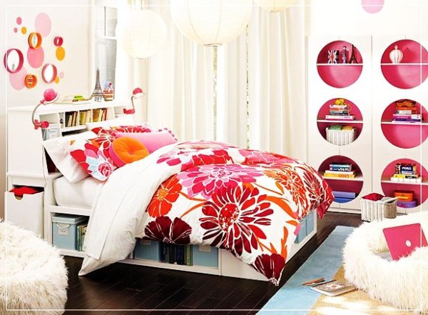 Inspirational Colorful Flowery Teenage Girl Room