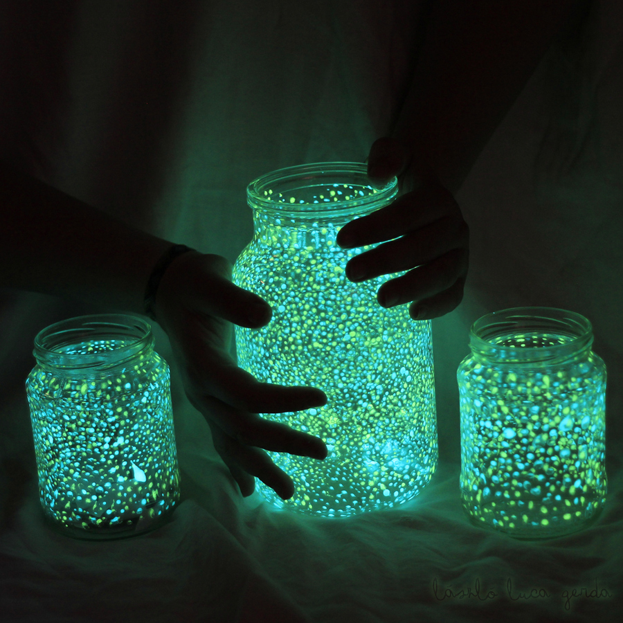 3. Luminaires and Lamps Ideas-Get a glow stick and a mason jar and break it into it and voila, glowing jar lamp