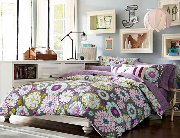 Ideal Colorful Floral Bedroom Theme