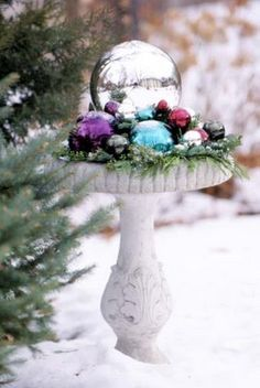 27 DIY Christmas Outdoor Decorations Ideas You Will Want To Start-homesthetics (4)
